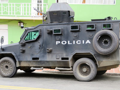voiture blindee police colombie